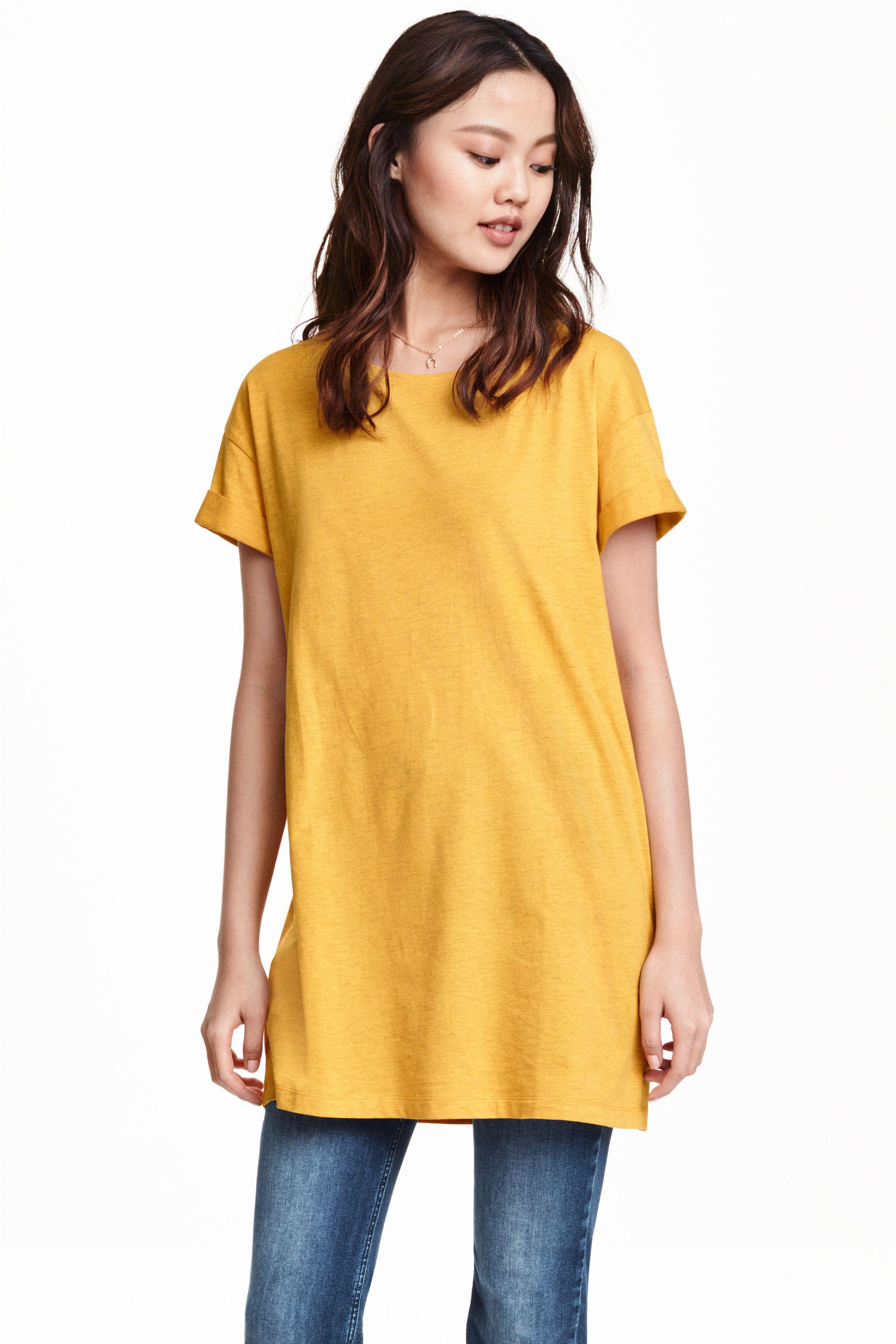 Camiseta larga  Camiseta larga en punto con costuras vueltas cosidas. 29751f88c223