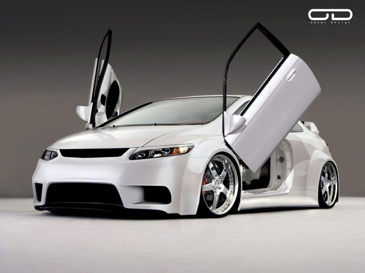 white Honda Civic Si..I love the car...