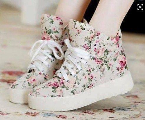18 Model Sepatu Wanita Paling Trend Di Tahun Ini - Style Remaja ... 9424033f54