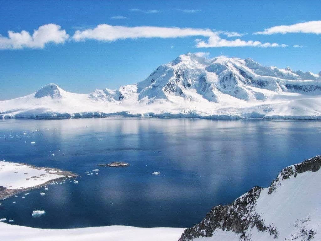 Gunung Es Adalah Suatu Bongkahan Besar Es Air Tawar Yang
