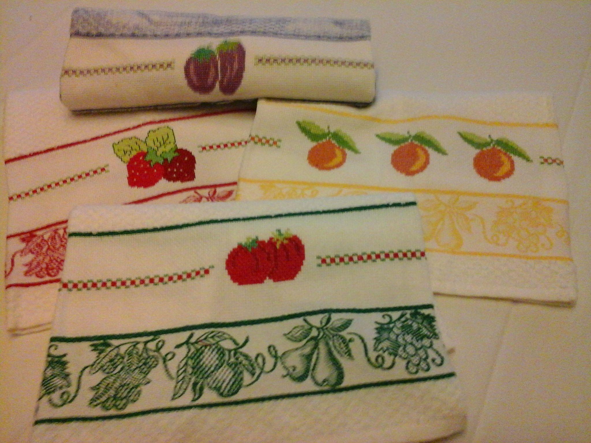 Canovacci Ricamati A Punto Croce.Strofinacci Da Cucina A Punto Croce Craft Crochet