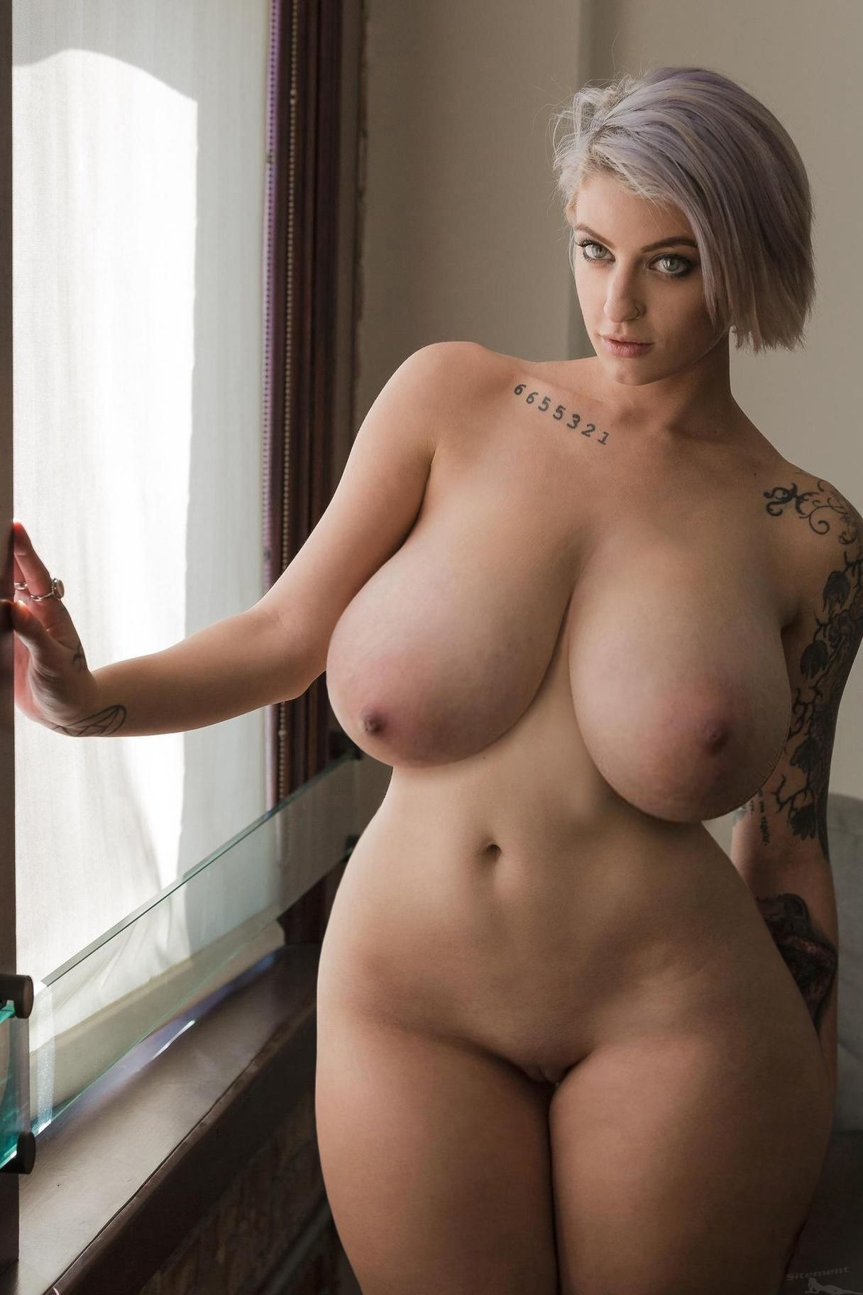 sexy curvy bigger girls nude