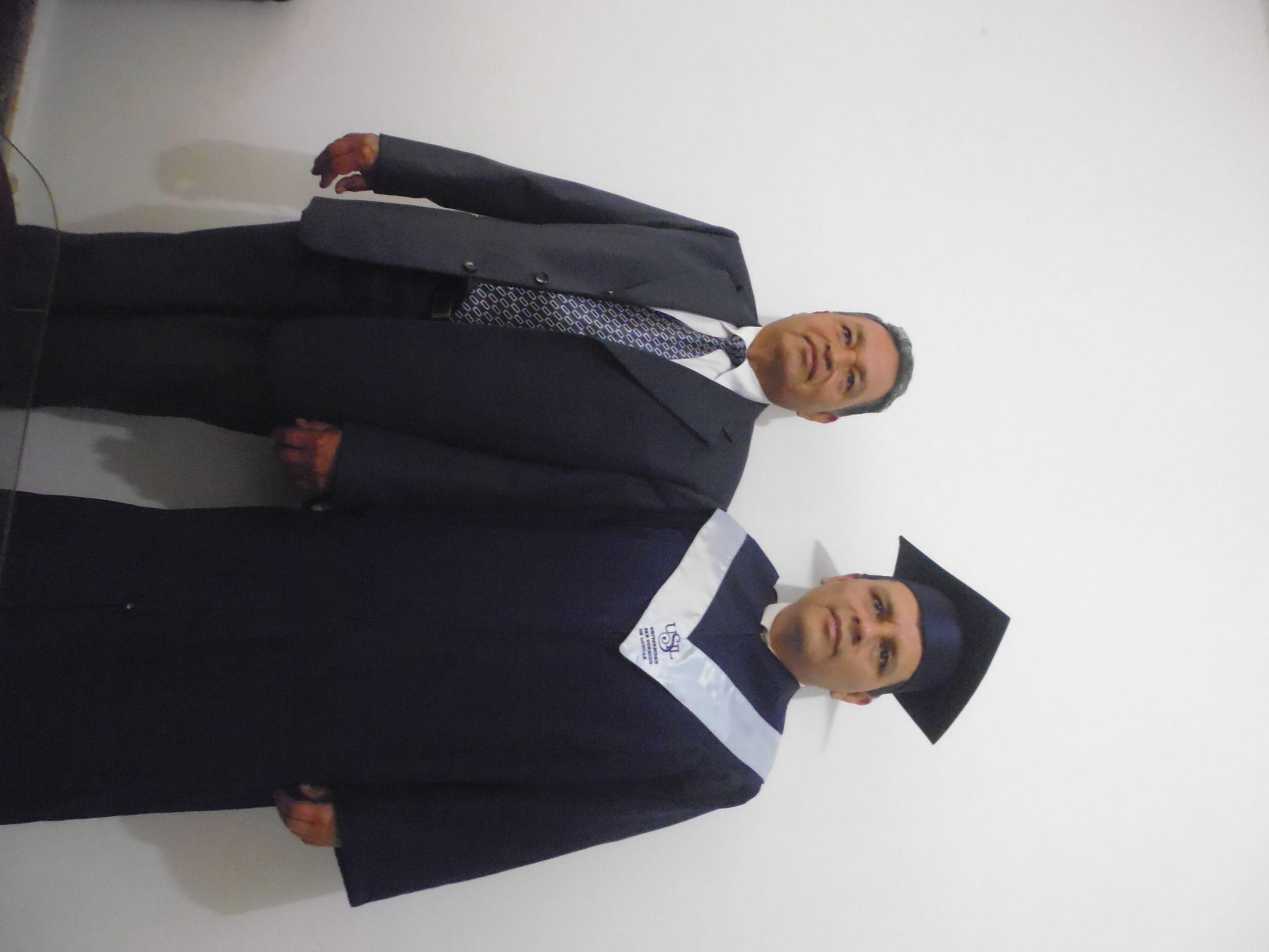con mi papa antes de partir a la universidad