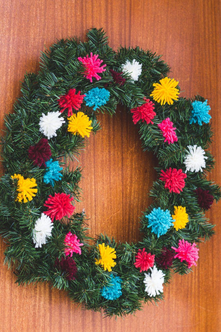 Diy Yarn Pom Pom Wreath