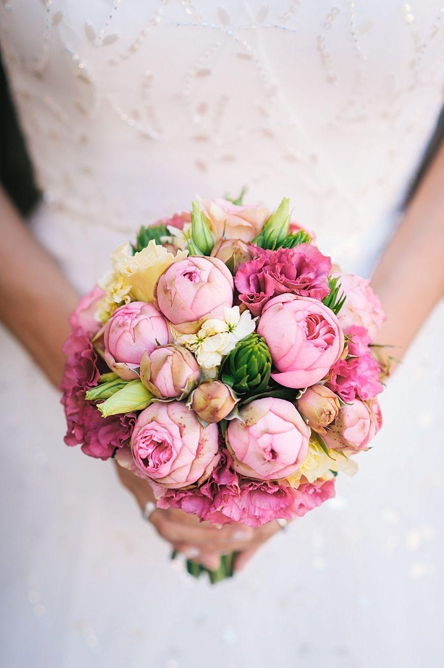 Brautstrau pink  Hochzeitsfotografie  Blumendeko