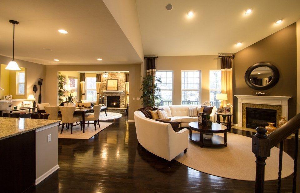 Open Floor Plan Layout All Hardwood Floors Through To Hearth Room In Back Diseno De Sala Comedor Diseno Interiores Casas Decoracion De Interiores