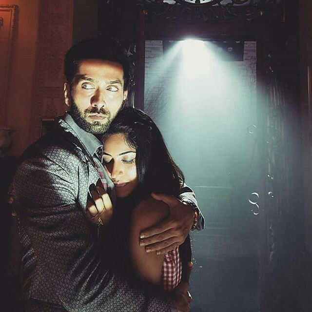 Ohhh..goddd..epic scene ....bst jodi...seems like shivay saved anika from any attack and starring to the attacker or something else .....cant wait for this one