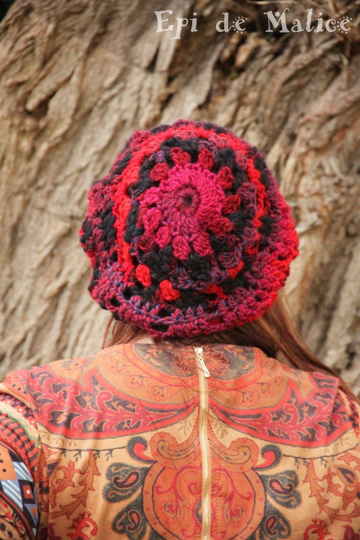 Bonnet, béret, beanie, tam, slouchy hat, Hippie/ bohème/ crocheté, coloré, multicolore, fuschia et noir, unique. : Chapeau, bonnet par epi-de-malice