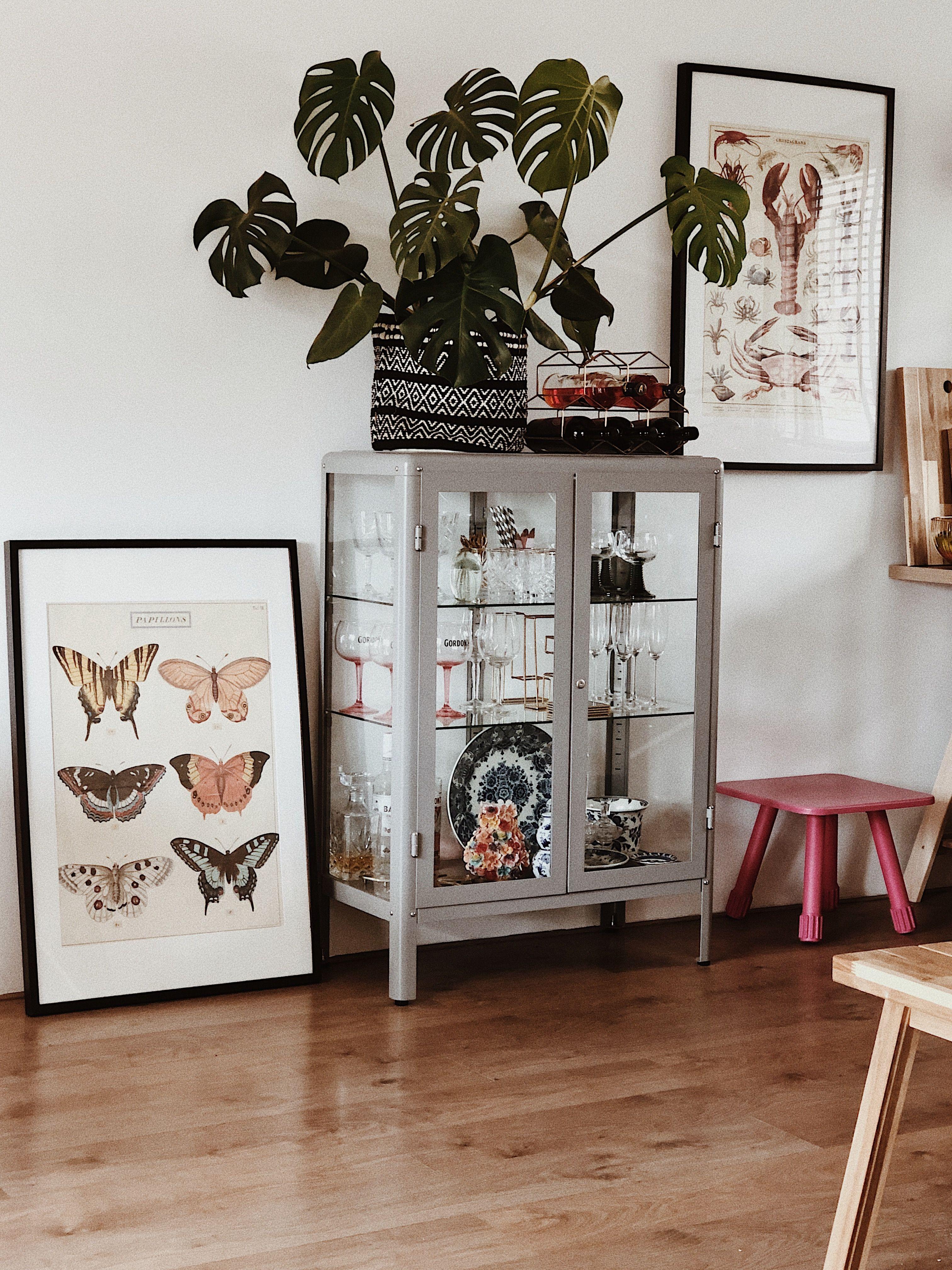 Monstera Vitrine Kast Lijsten In 2020 Decor House Interior Living Room Designs