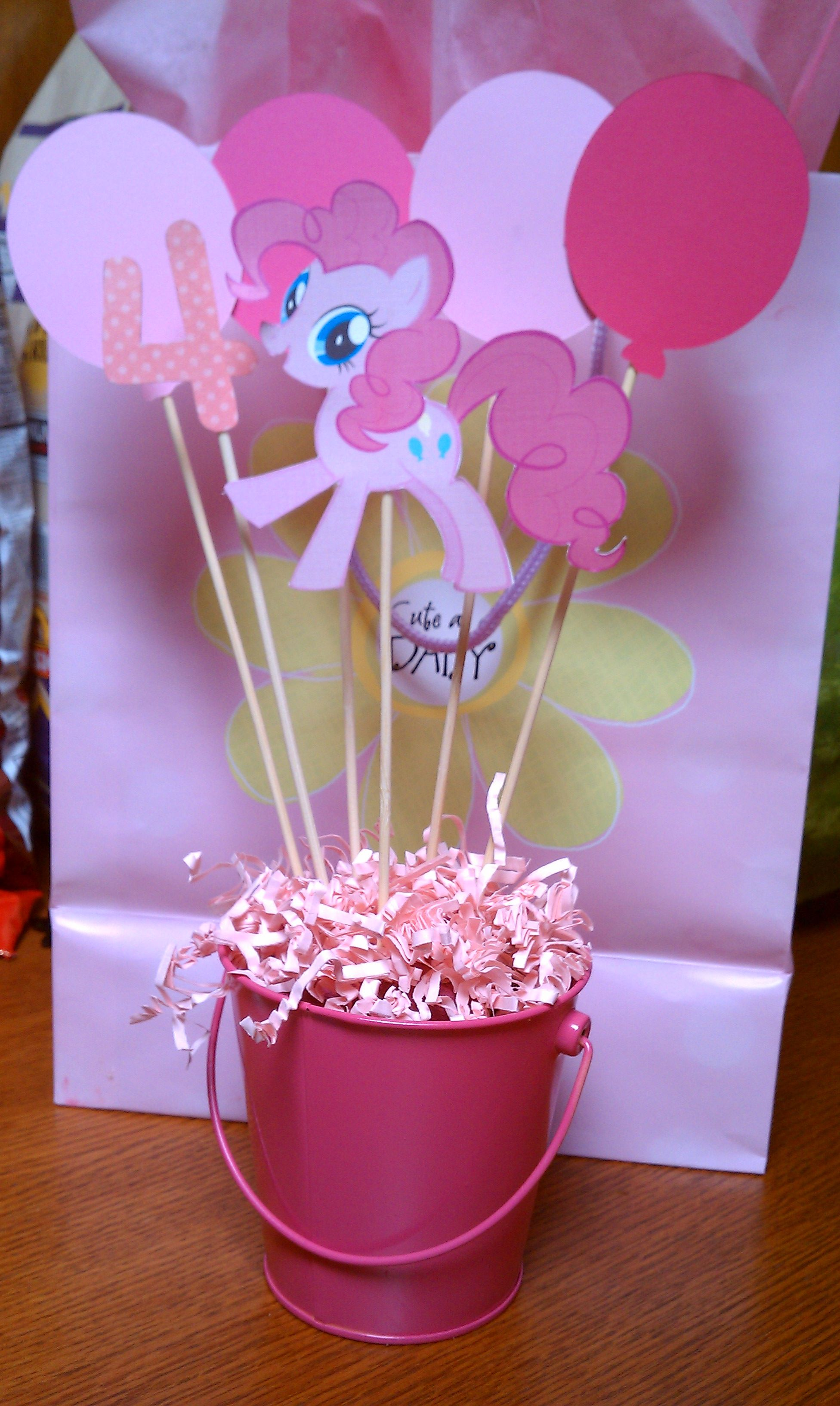 Quick and easy centerpiece for a my little pony theme party. | Party ...