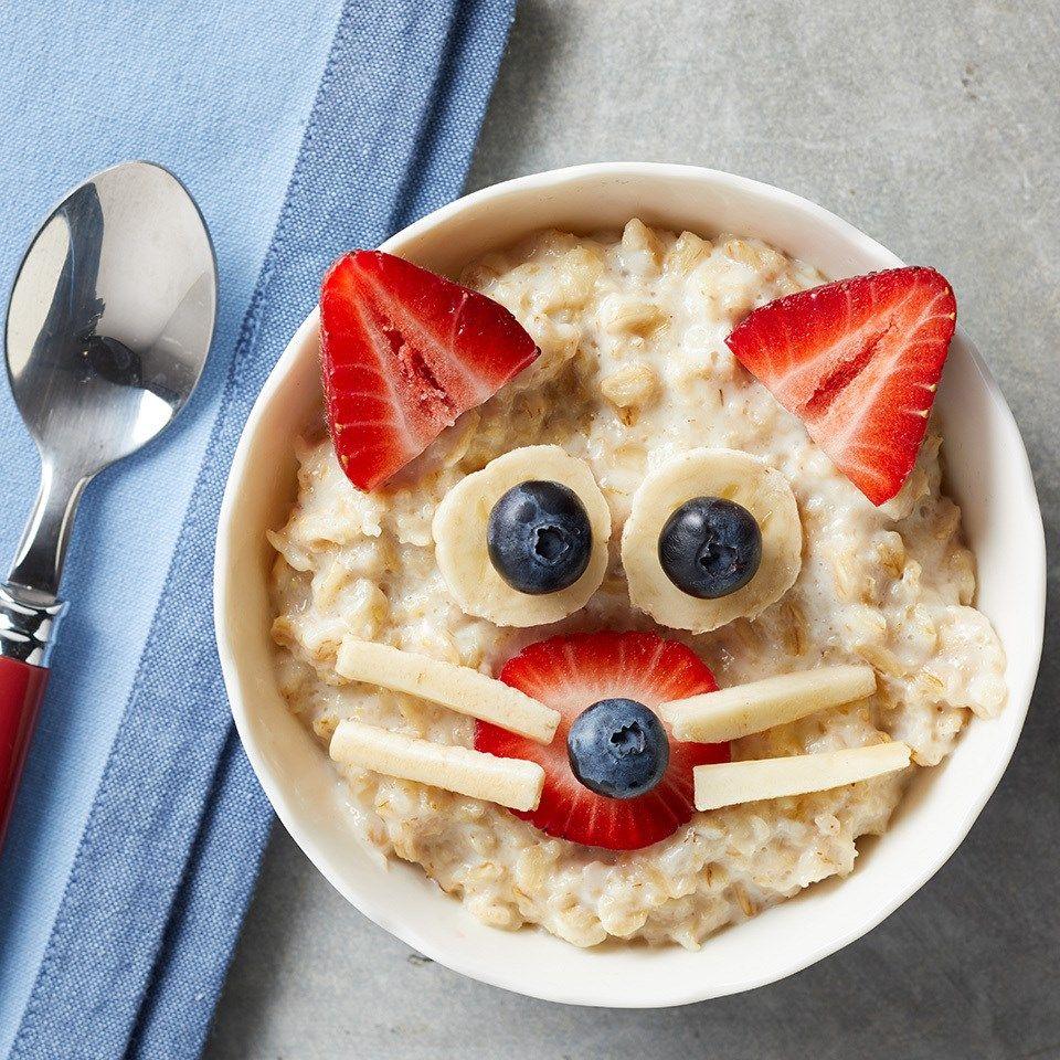 Kitty Cat Oatmeal Bowl Recipe Breakfast For Kids Breakfast Recipes Kids Healthy Kids Breakfast Recipes