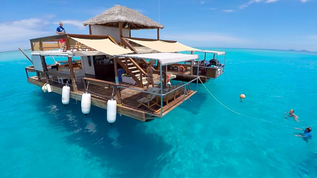 This Floating Bar in Fiji Crushes all Other Bars | Maxim ...