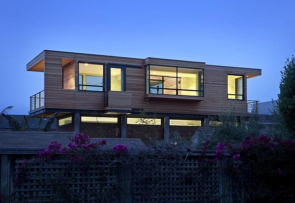 Metallic Structure Houses Designs Plans And Pictures House On Stilts Flooded House House Designs Exterior