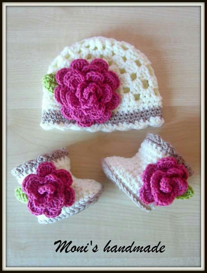Gorro y zapatitos bebé | baby shoes/crochet-knitting | Pinterest ...