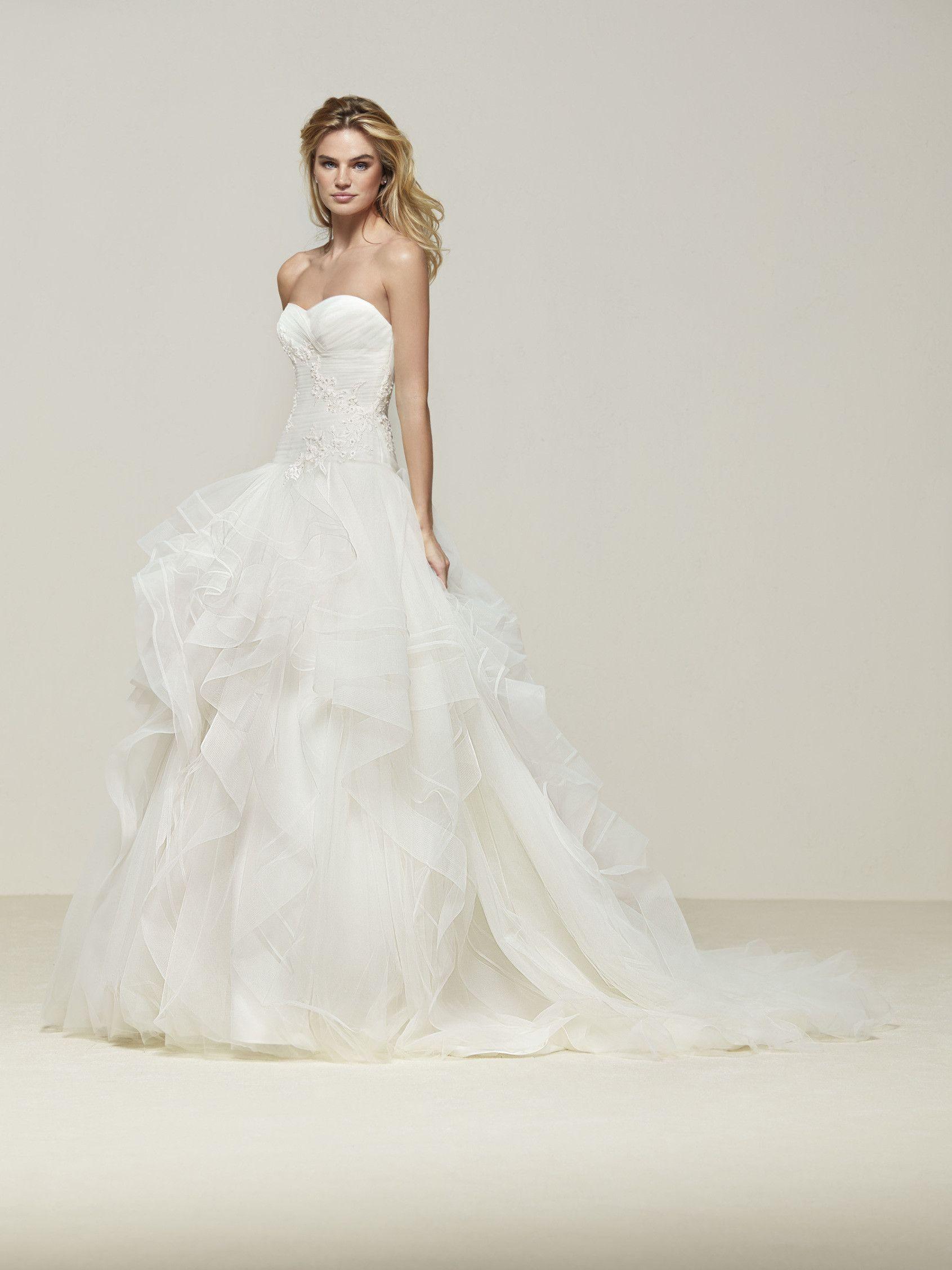 Dazzling princess style wedding dress - Draliana - Pronovias ...