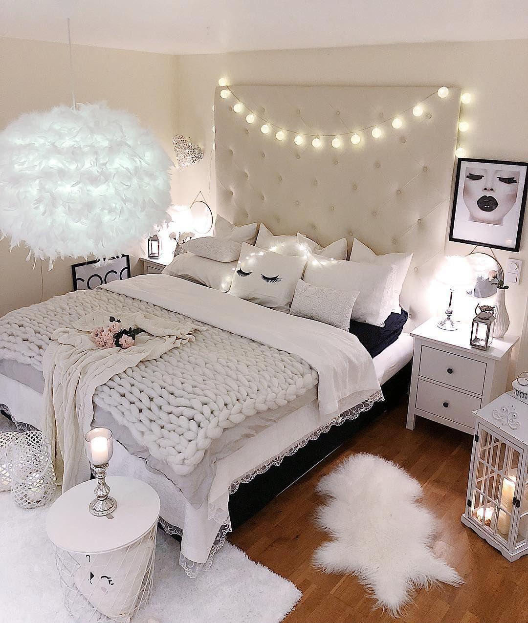 20 Bedroom Chandelier Designs Decorating Ideas: Modern Bedroom Design Ideas. Pale Colors. Contemporary