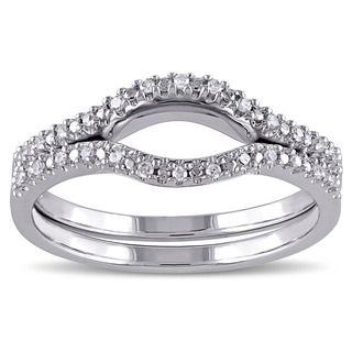 Wedding Band That Hugs Engagement Ring