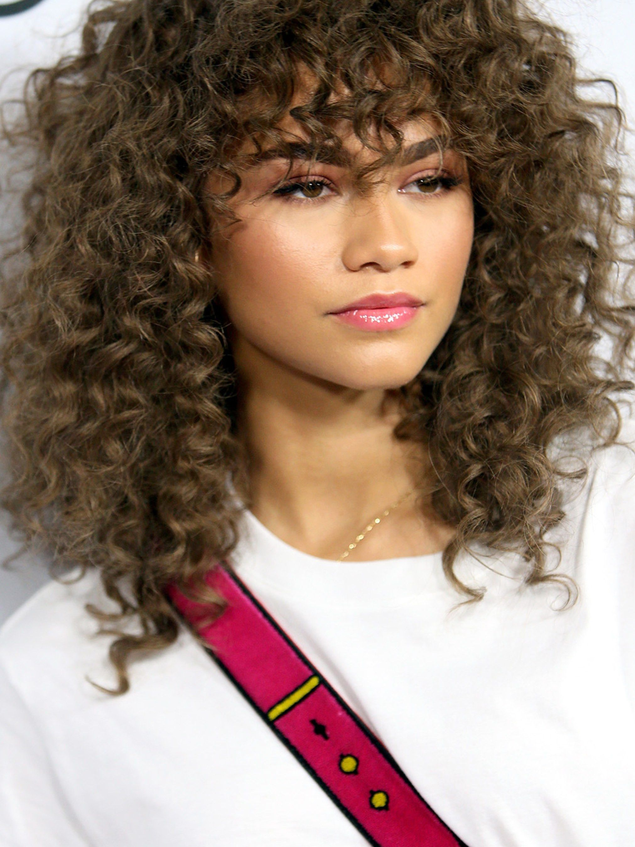 31 Easy Hairstyles For Medium Length Curly Hair For School Curly Hair Styles Easy Medium Hair Styles Easy Hairstyles For Medium Hair
