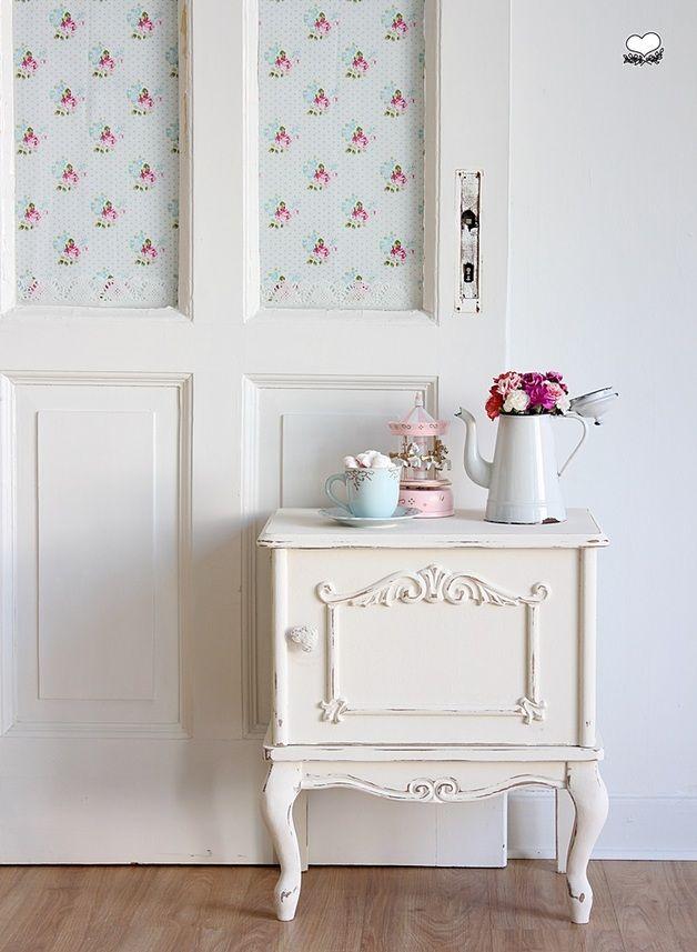 vintage kommoden nachtkasten in weiss ein designerst ck von bleuetrose bei dawanda shabby. Black Bedroom Furniture Sets. Home Design Ideas
