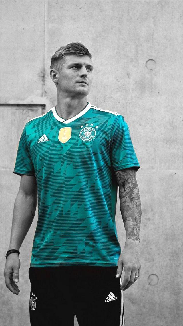 Toni Kroos Futebol Arte 583e946cd03d2
