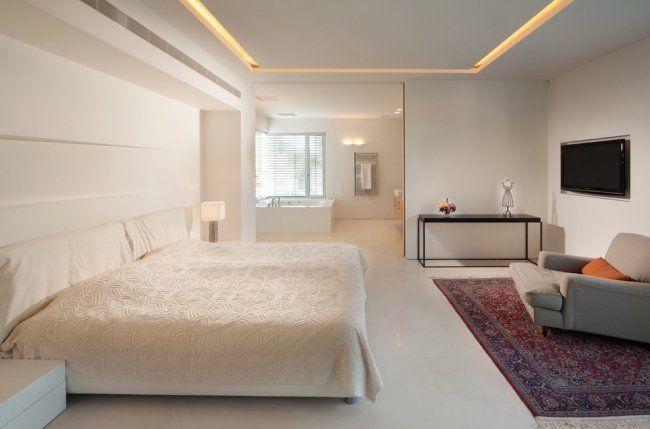 Plafond moderne dans la chambre à coucher et le salon | Éclairage ...