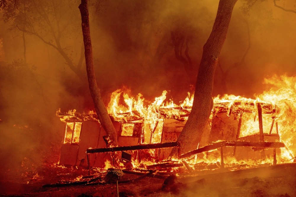 Some Of The Most Startling Images Of Wildfires Raging Through Northern California In 2020 California Wildfires Northern California California