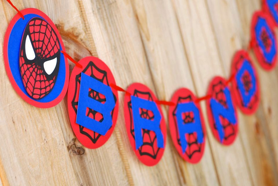 Homemade happy birthday banner superheros spiderman for Decoration 02100