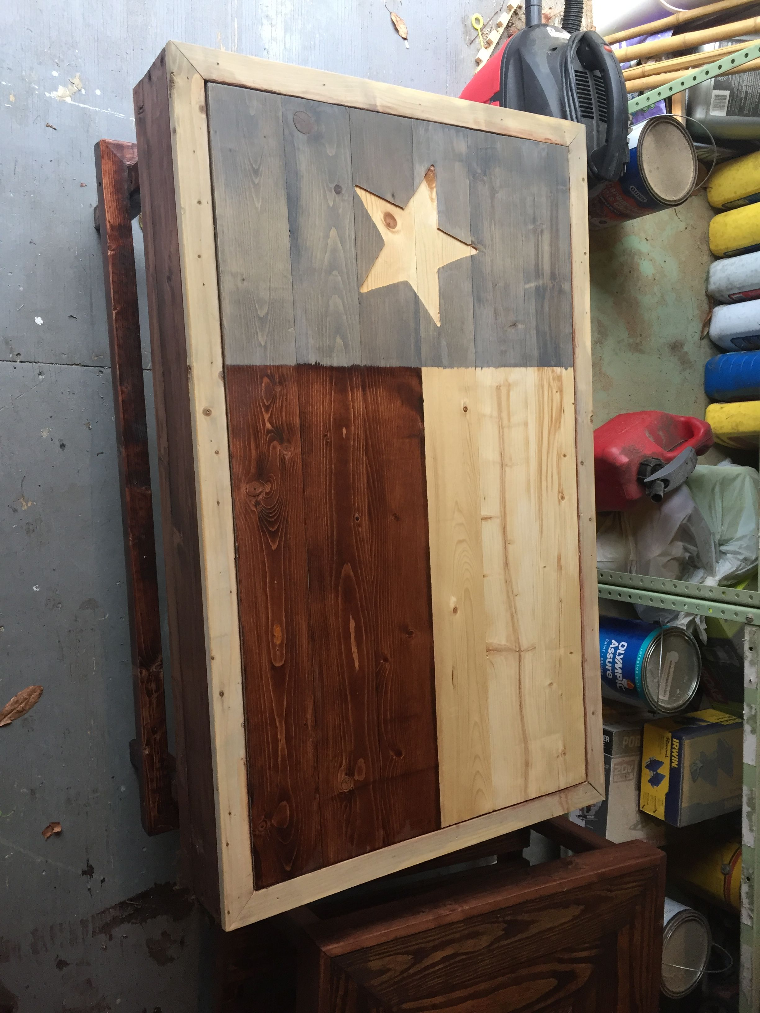 Texas flag coffee table with magnetic lid