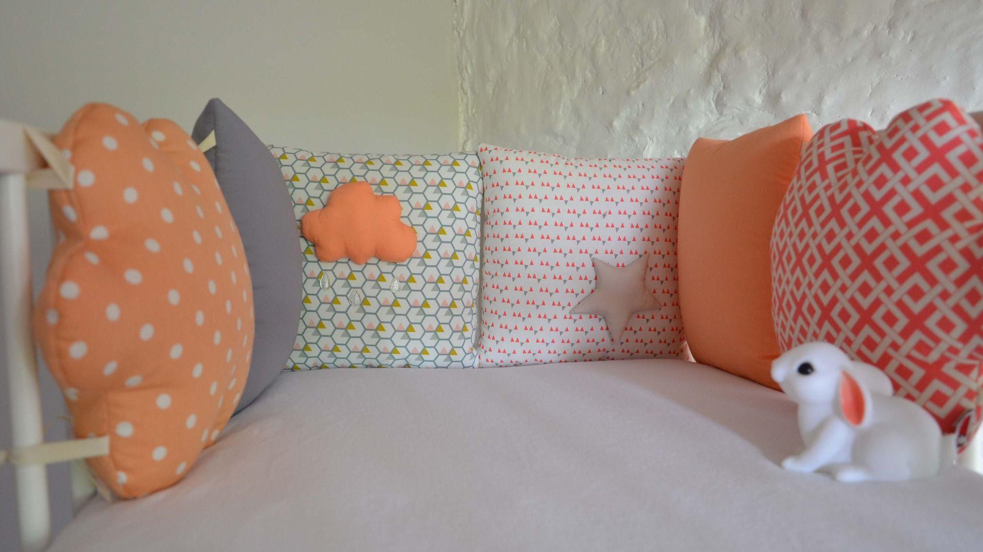 tour de lit b b nuage gouttes de pluie et toiles. Black Bedroom Furniture Sets. Home Design Ideas