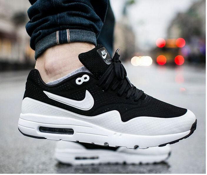 724390 001 Nike Air Max 1 Ultra Moire Mens Black White