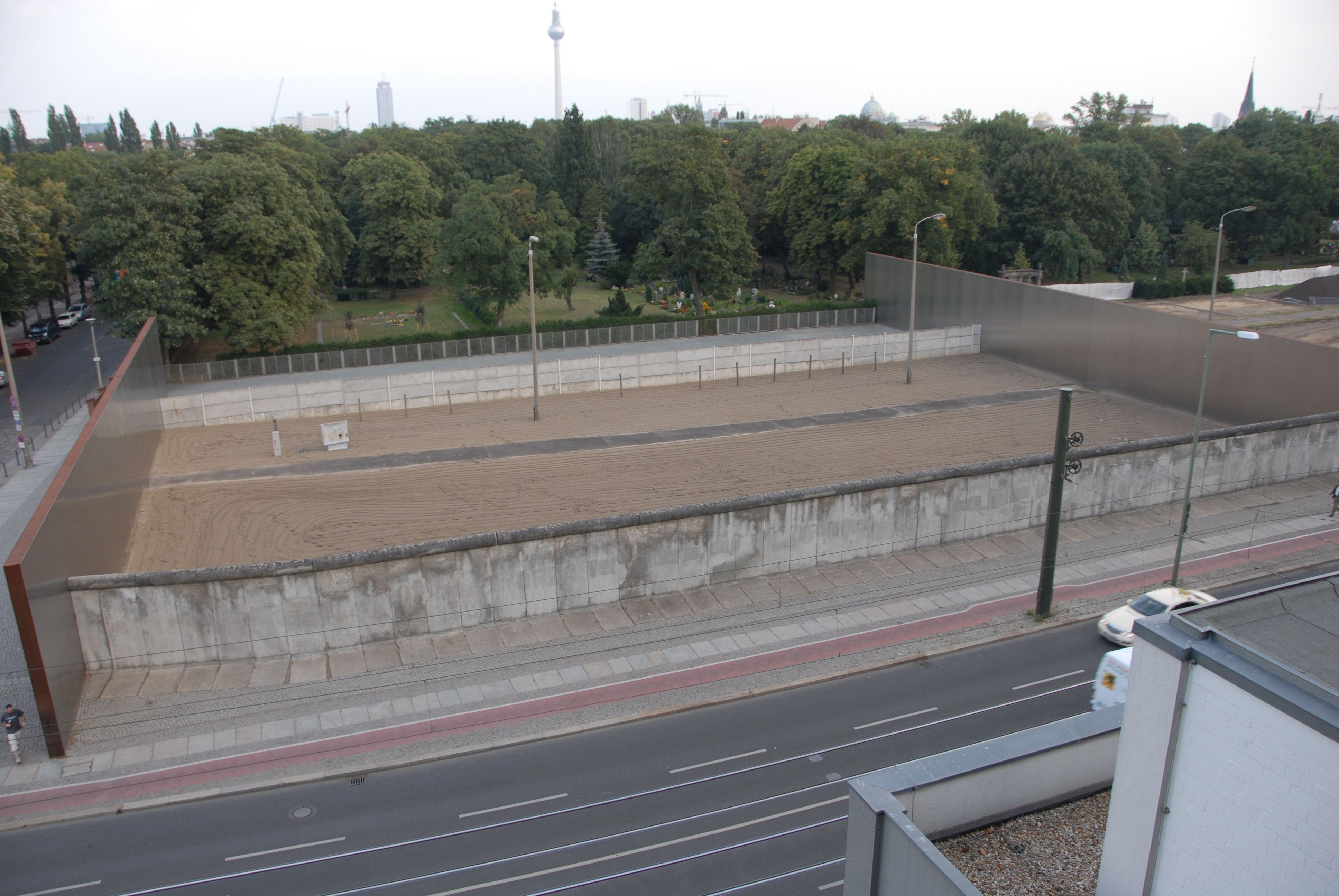 Gedenkstatte Berliner Mauer Een Origineel Stuk Berlijnse Muur En Meer Berlijn Muur Berlijn Duitsland Berlijn
