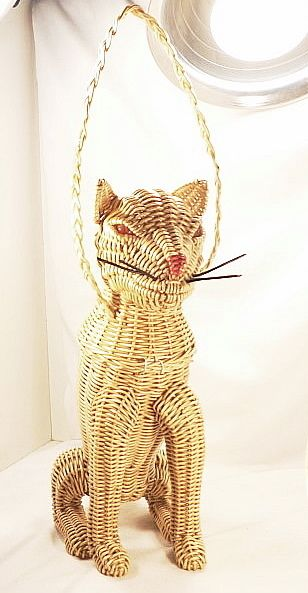 Vintage Figural Animal Cat Wicker Purse