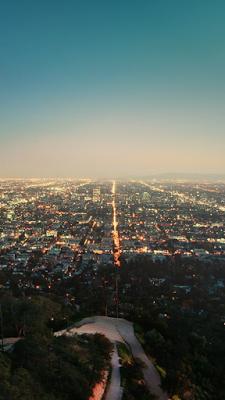 La City Lights Free Iphone Wallpaper Iphone Wallpaper In