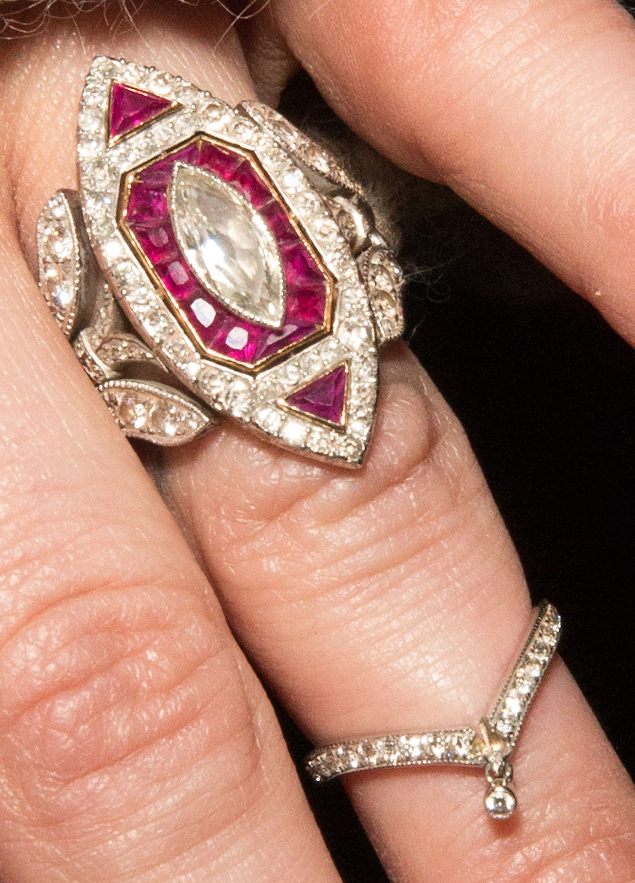 a22c0ed02 Ashlee Simpson's five-carat vintage engagement ring designed by Neil Lane