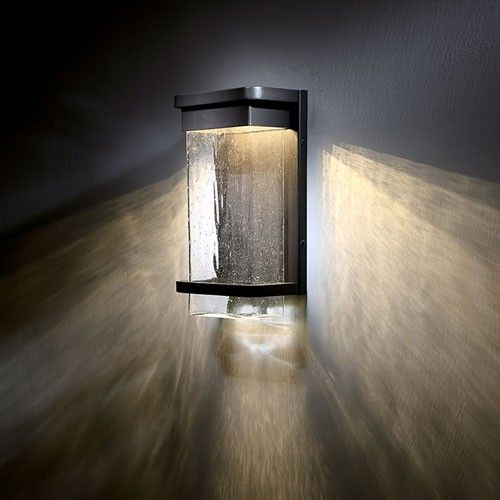 Outdoor Entryway Lighting Ideas: Vitrine Outdoor Wall Light
