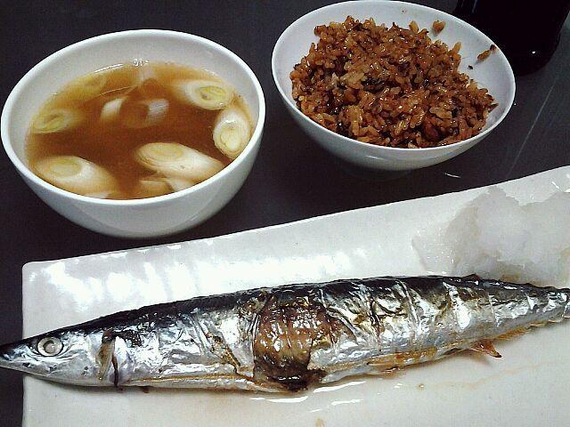 秋の味覚 秋刀魚塩焼 秋刀魚炊き込みご飯 秋刀魚つみれ汁 via SnapDish 料理カメラ