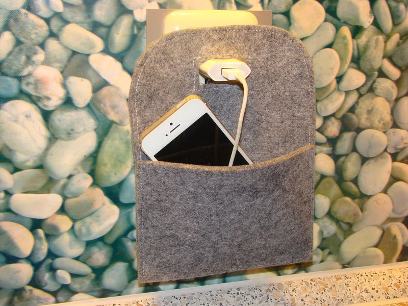 ladetasche ladehilfe f r handy mp3 player von saruba made in hamburg auf. Black Bedroom Furniture Sets. Home Design Ideas