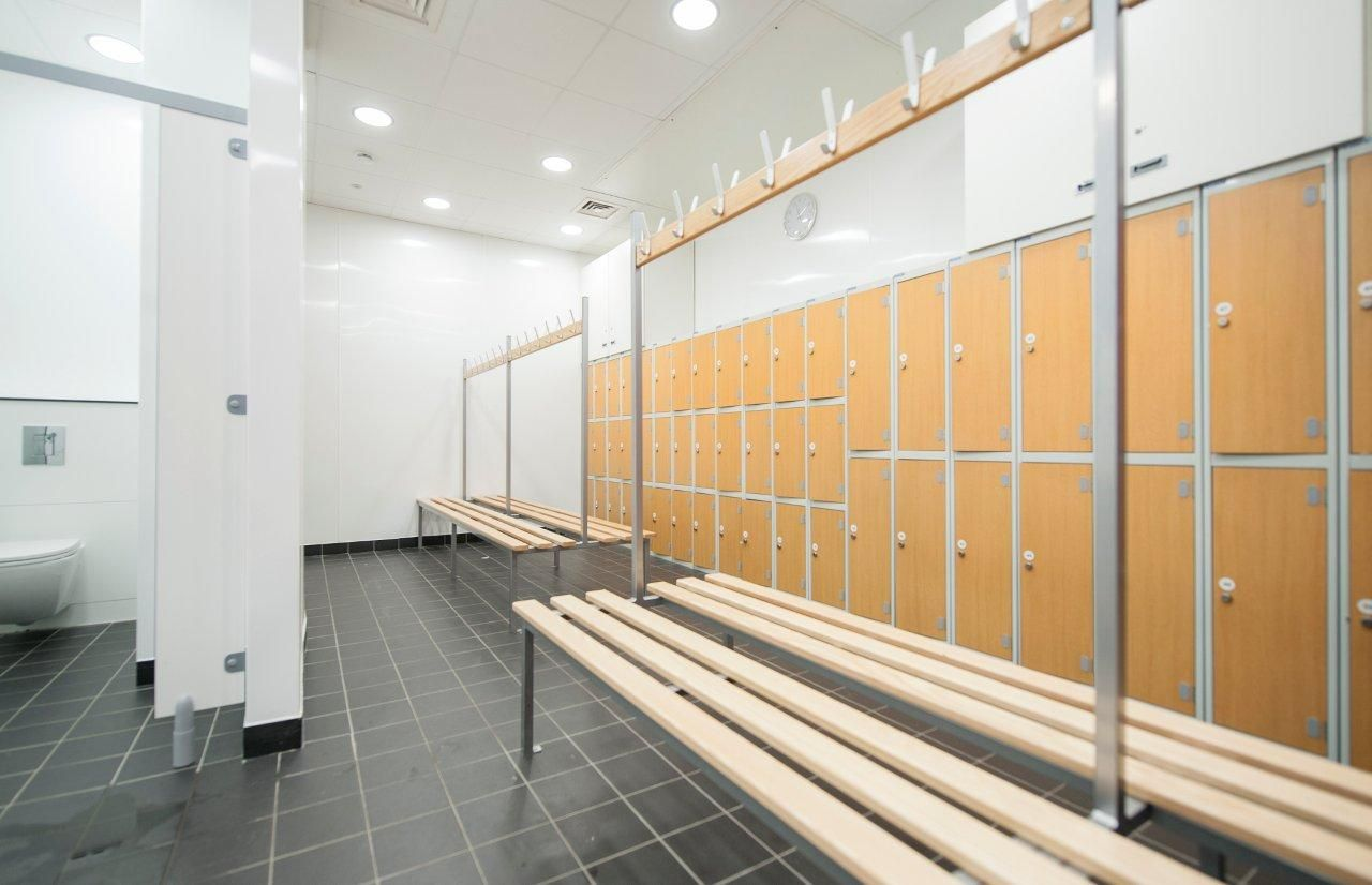 LBSGym education BSPS Changing room, Room, Home decor