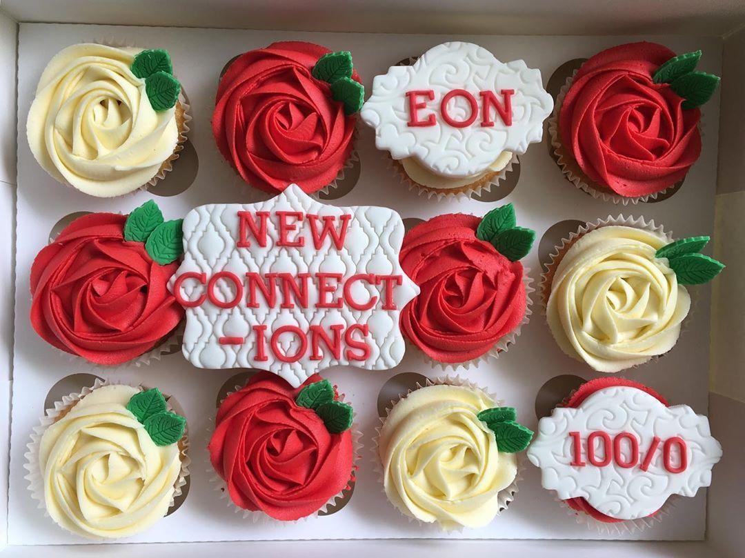 Habe diese Cupcakes vor einiger Zeit für den Work-Clan gemacht . Habe diese Cupcakes vor einiger Zeit für den Work-Clan gemacht .
