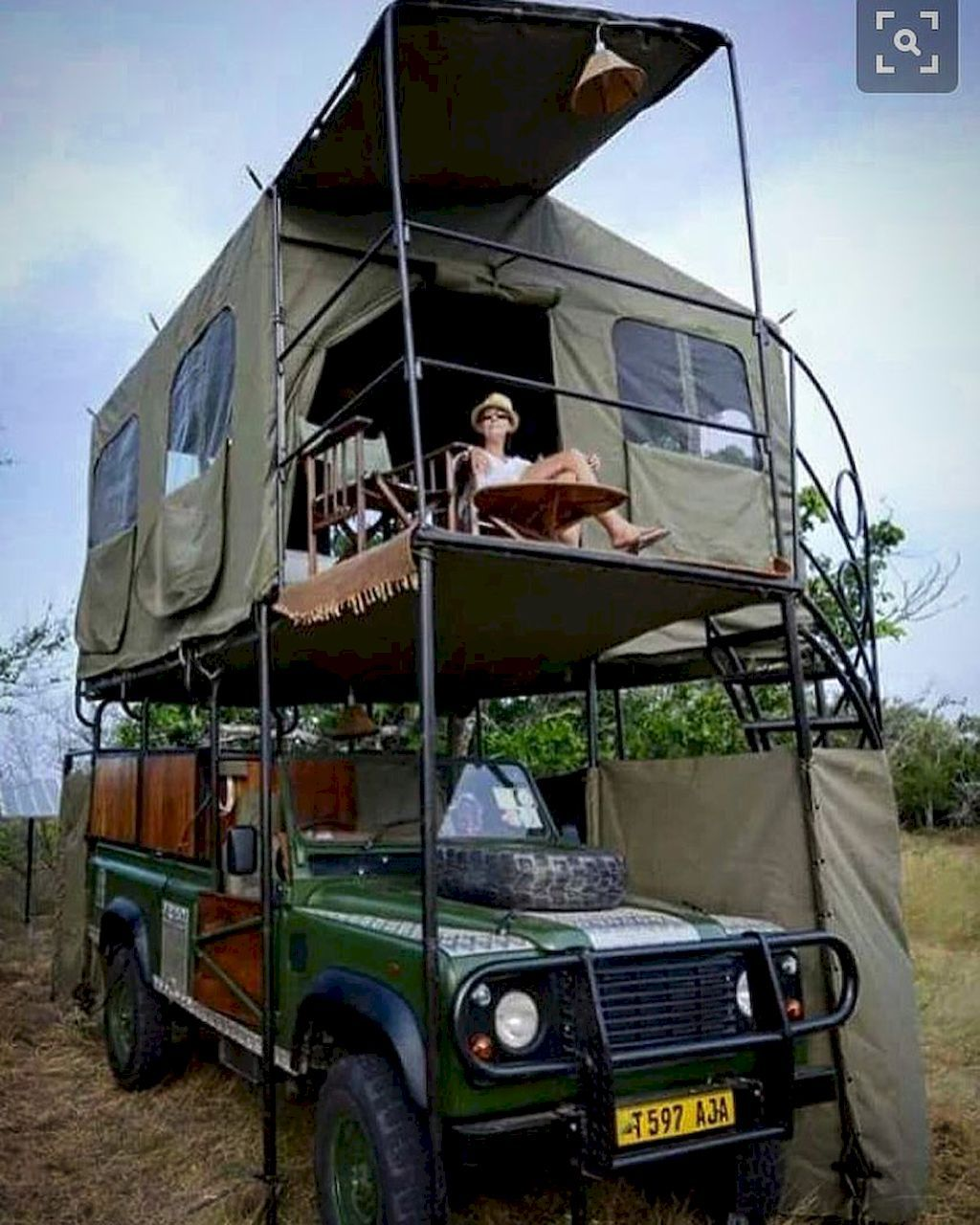 Awesome 40 Smart Low Budget RVs Van Conversion Ideas Homstuff