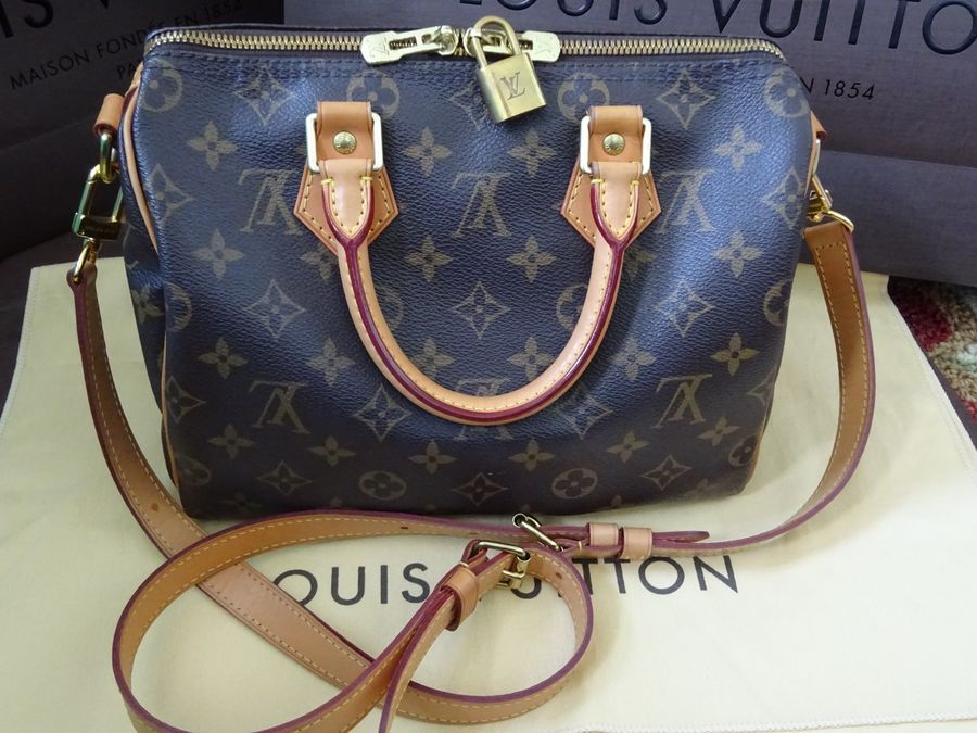 bb1e0c660ba8 Authentic Louis Vuitton Speedy Bandouliere 25 Monogram Bag MADE IN FRANCE