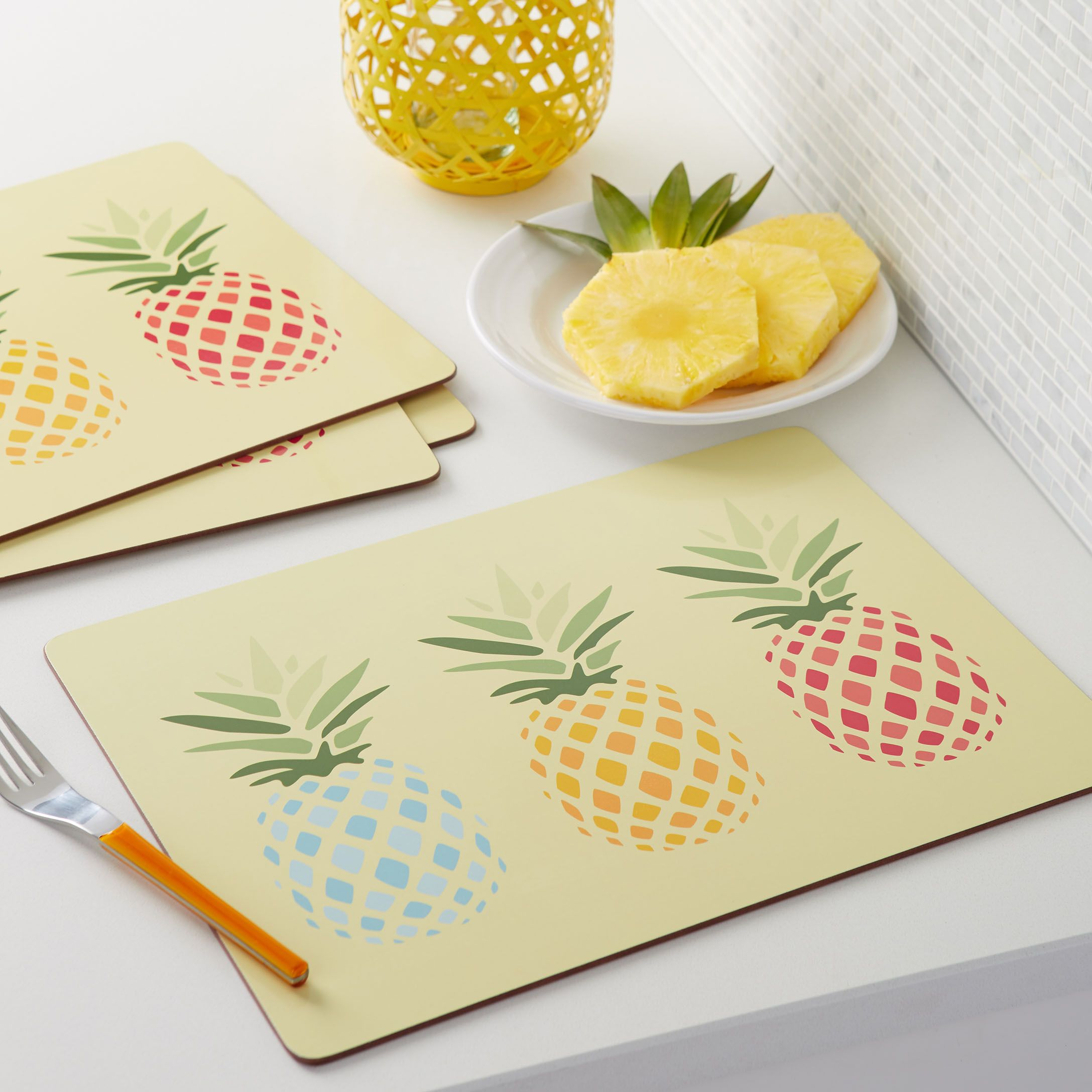 pineapple laminated cork place mats simons simonsmaison