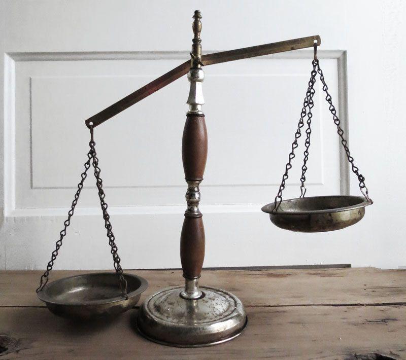 Vintage Balance Scale Wood And Metal Vintage Scale Weight Scale 16 00 Via Etsy Vintage Scale Wood And Metal Weight Scale