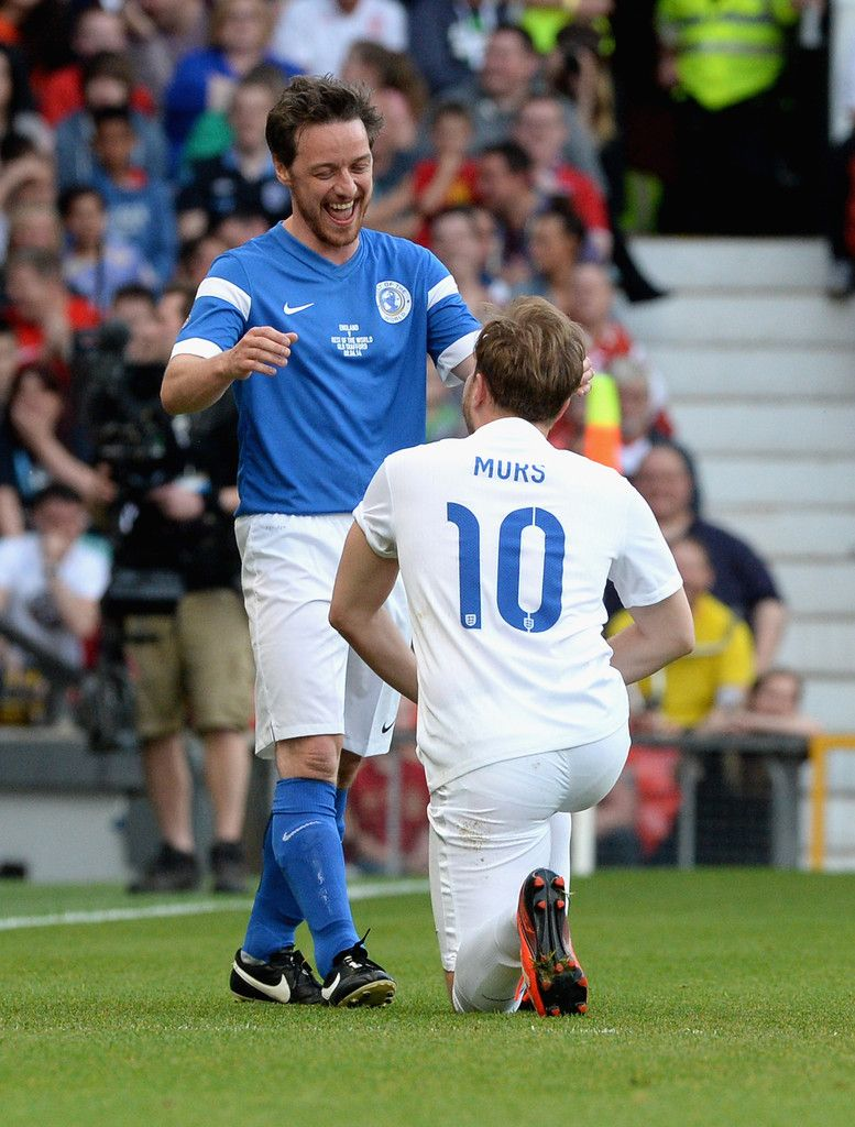 James Mcavoy Photos Photos Soccer Aid 2014 James Mcavoy Olly Murs James Mcavoy Split