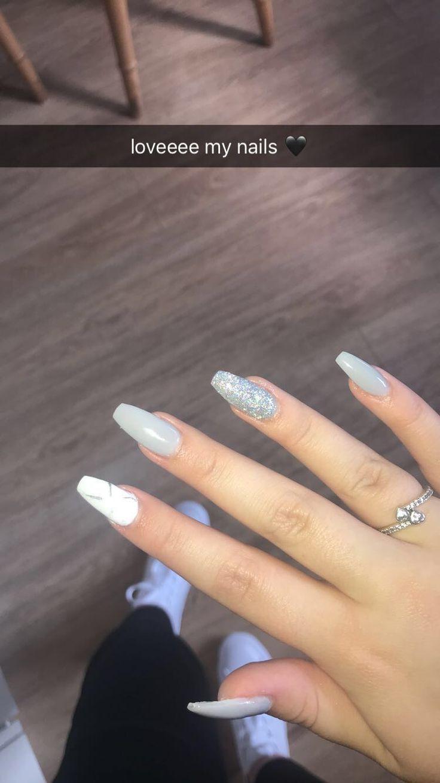 Fa9ebf0468d31d48c6d28d486866d79b Jpg 640 601 Pixels White Acrylic Nails Almond Nails Designs Fake Nails