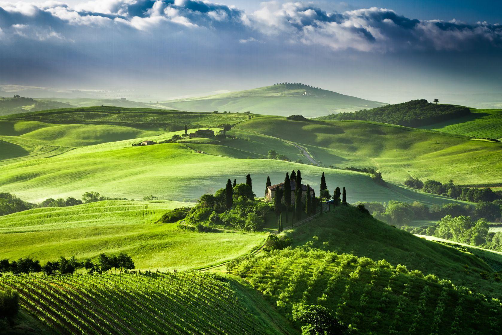 Mit Zypressen, Weinhängen & sanften Hügeln ist die Toskana der ...