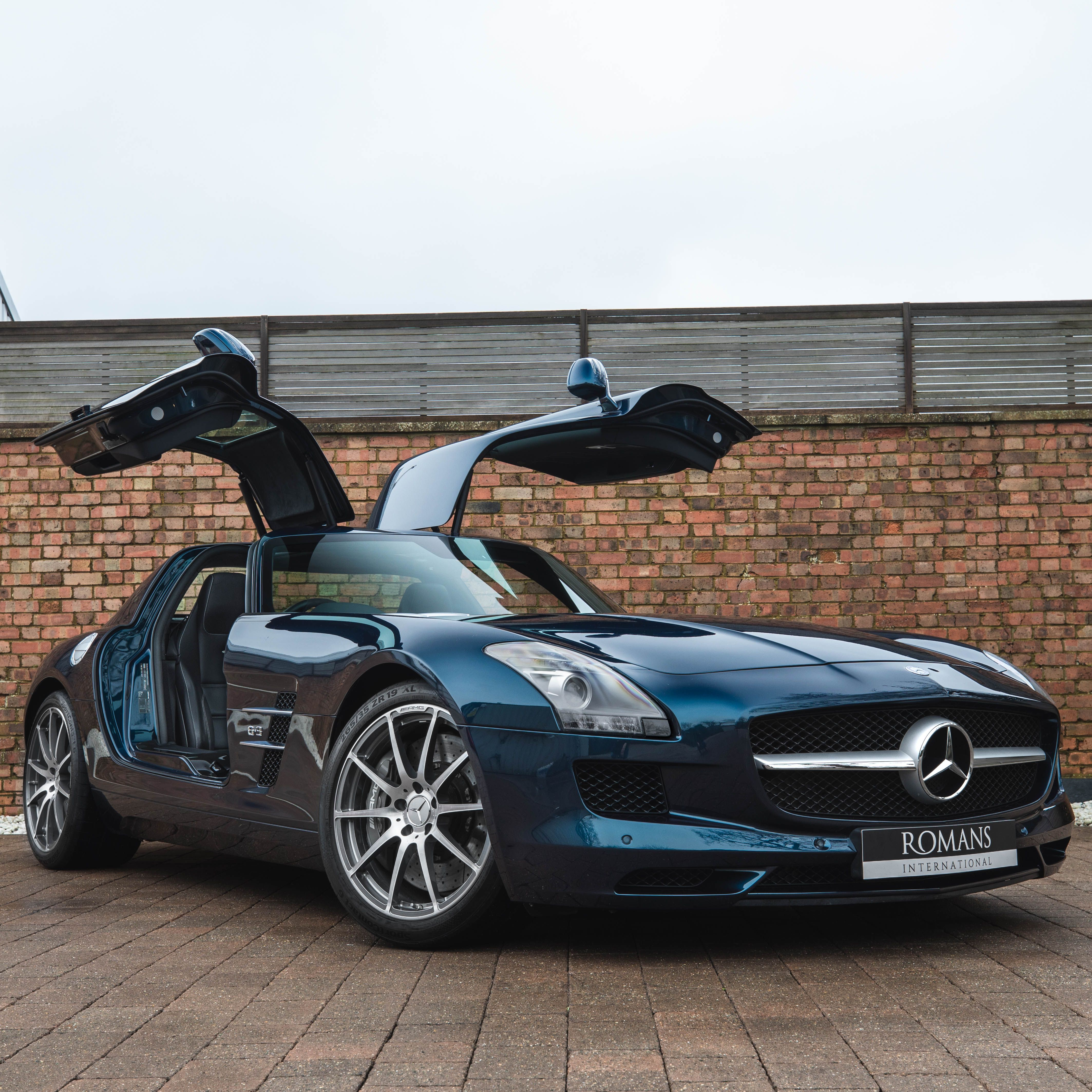 Retro Styling Long Smooth Lines And Iconic Gullwing Doors In 2021 Mercedes Benz Sls Mercedes Benz Sls Amg Used Mercedes Benz