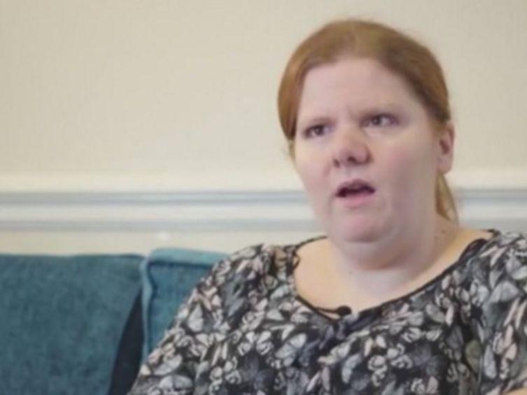 #Calvaire Elle souffre d'une maladie rare : l'odeur du poisson pourri - VSD: VSD Calvaire Elle souffre d'une maladie rare : l'odeur du…