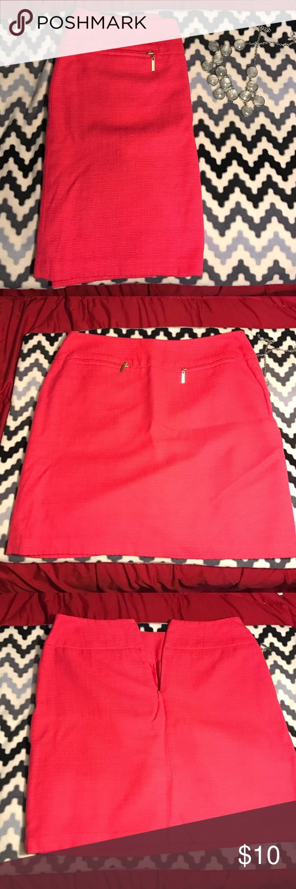 Pink Skirt Perfect for the office! Cotton and polyester outer shell with a polyester liner. Great condition! Fits like a standard 10-12 East 5th Skirts Pencil
