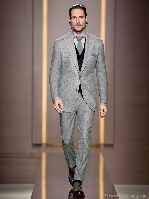 Interesting, black vest with grey suit. \u0027Lenard/Gardens